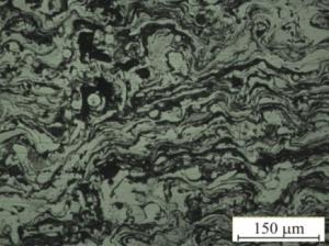 Микроструктура напыленного покрытия (поперечное сечение)