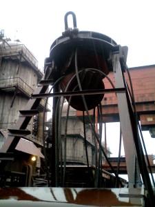 Разрушение крепления верхнего блока полиспаста грейфера рудно-грейферного крана