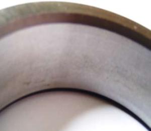 Матовая поверхность внутреннего кольца подшипника при неподвижной посадке на вал