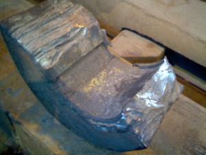 Разрушение подшипника вала механизма качания кристаллизатора машины непрерывного литья заготовок