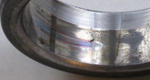 Посадочная поверхность внутреннего кольца подшипника при схватывании и провороте