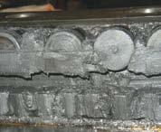 Элементы изношенного подшипника (продукты окисления и износа в смазочном материале)
