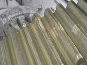 Пример фотографии при осмотре редуктора механизма подъёма разливочного крана (детальной)