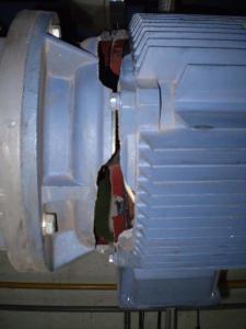 Разрушение корпуса двигателя бустерного насоса