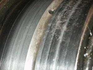 Износ наружной поверхности внешнего кольца подшипника 2.4